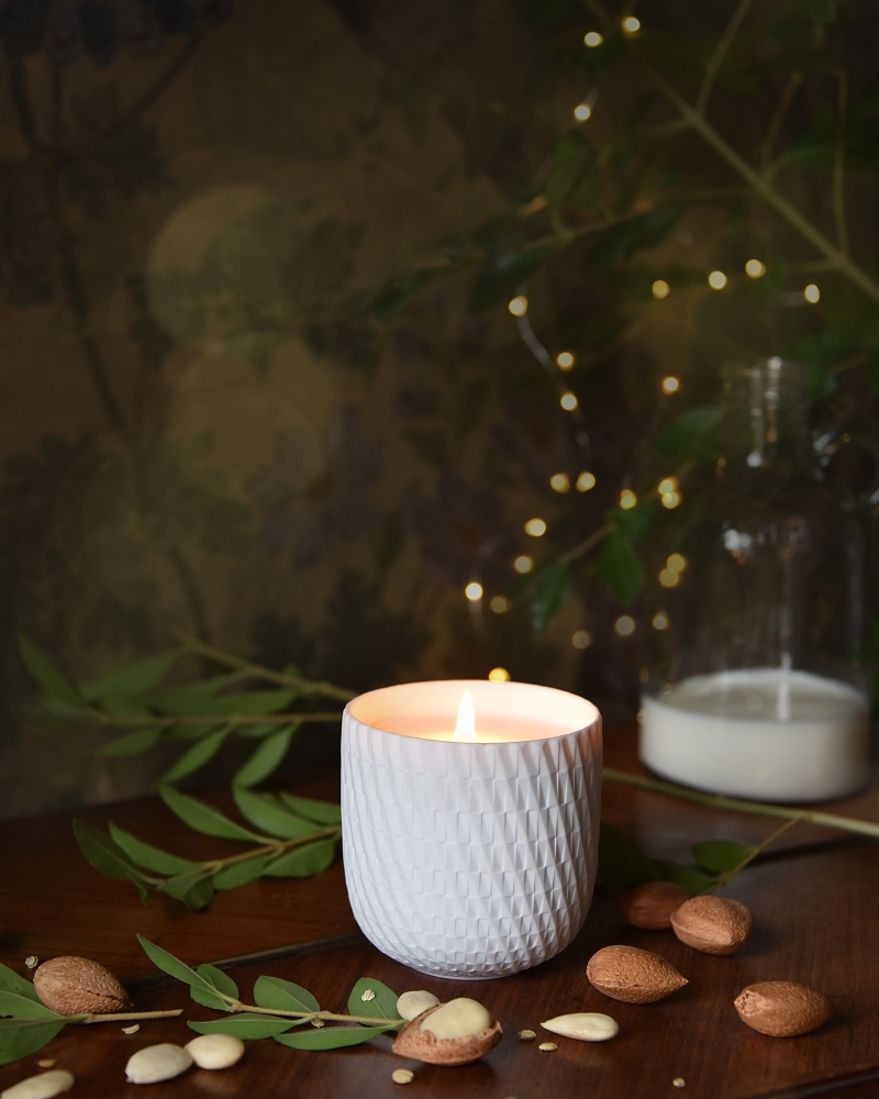 Twist-Candle---Angelic-Almond--LiliROZE